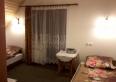 pokój nr 1 z łazienką balkonem i tv
